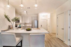 luxury 2 bedroom apartments with garage in mobile